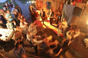 live muziek akoestische bruiloftband dansen